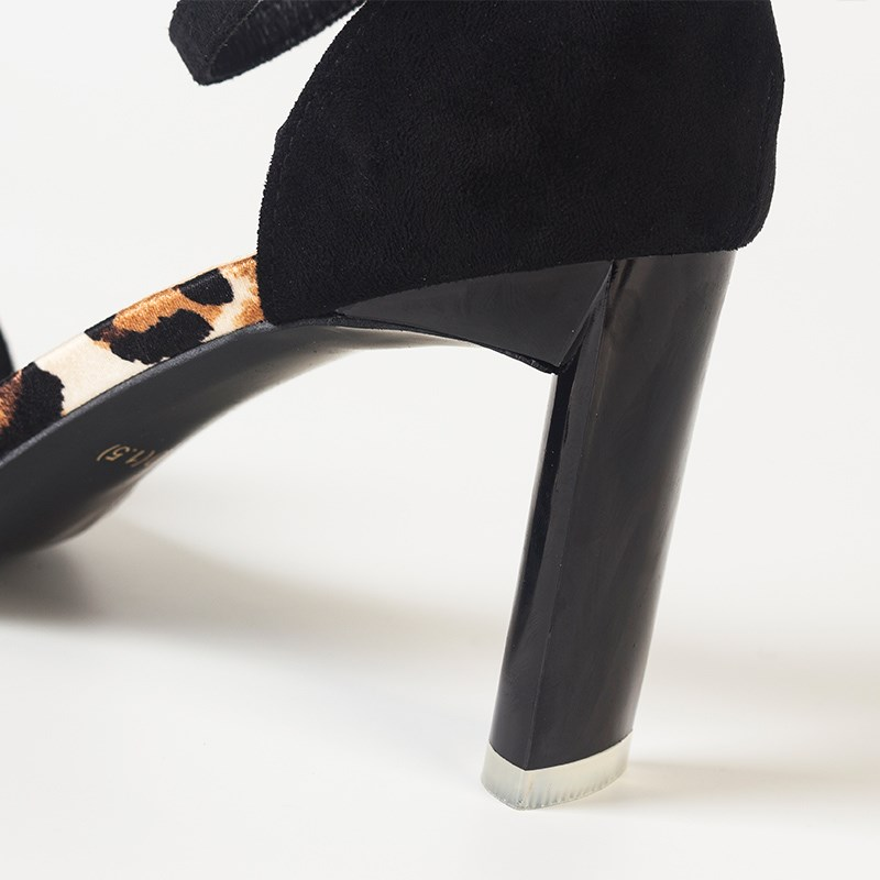 金苑夏季新款露脚趾黑色高跟鞋凉鞋S921025