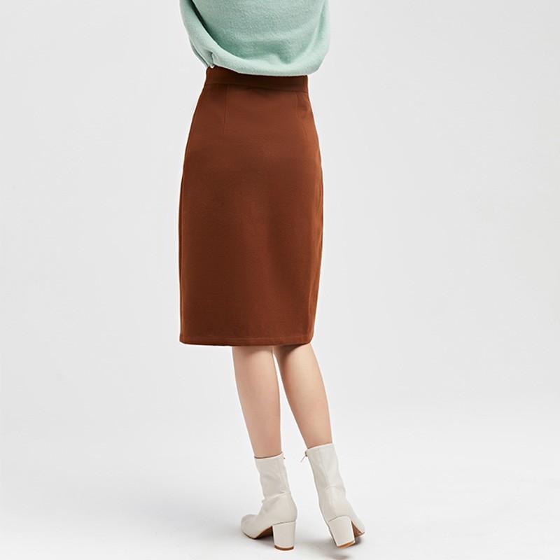 金苑2019冬装新款不对称圆扣纯色修身直筒裙减龄半身裙女B951024