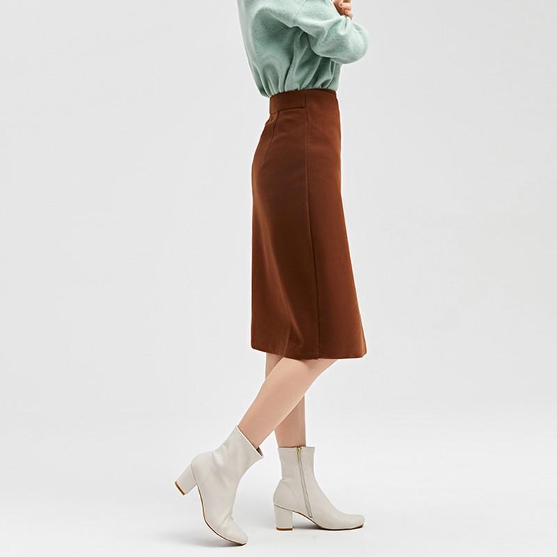 金苑2019冬装新款不对称圆扣纯色修身直筒裙减龄半身裙女B951025
