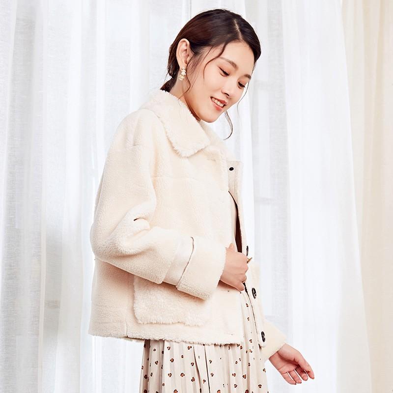 金苑冬装2019新款女装毛绒短款上衣韩版减龄通勤小香风外套D959023