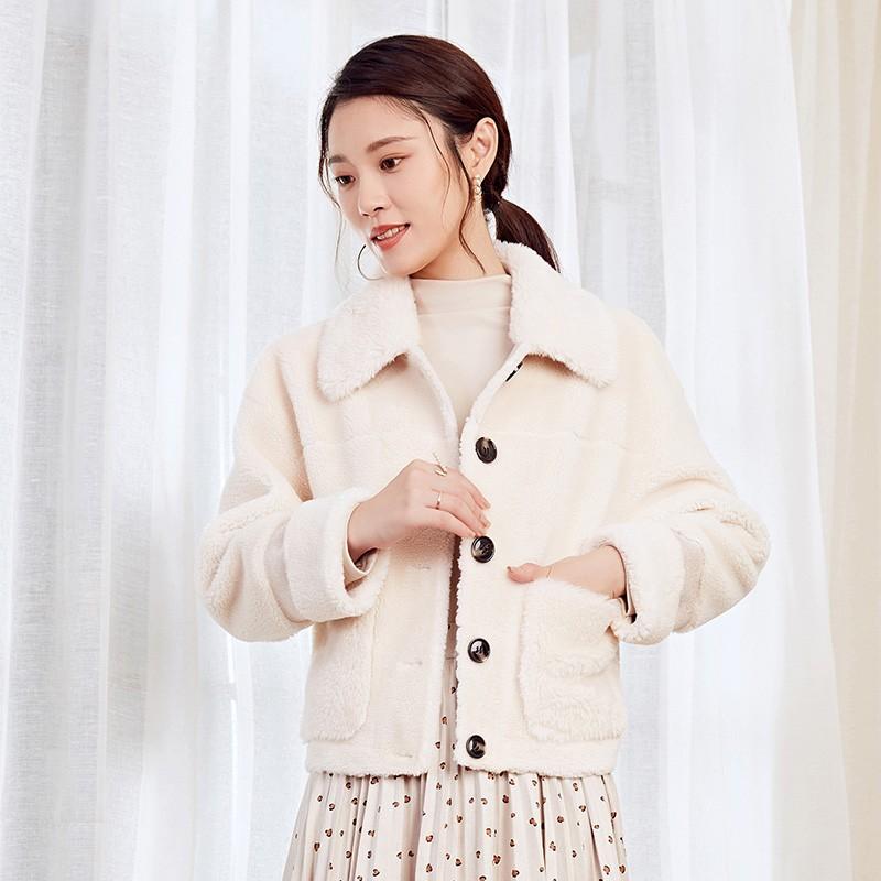 金苑冬装2019新款女装毛绒短款上衣韩版减龄通勤小香风外套D959022