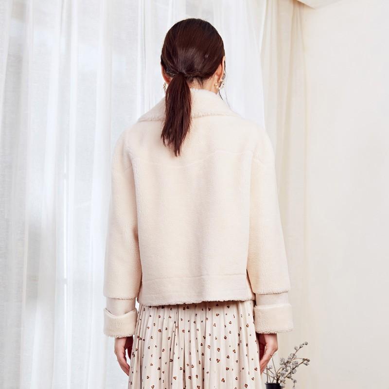 金苑冬装2019新款女装毛绒短款上衣韩版减龄通勤小香风外套D959026