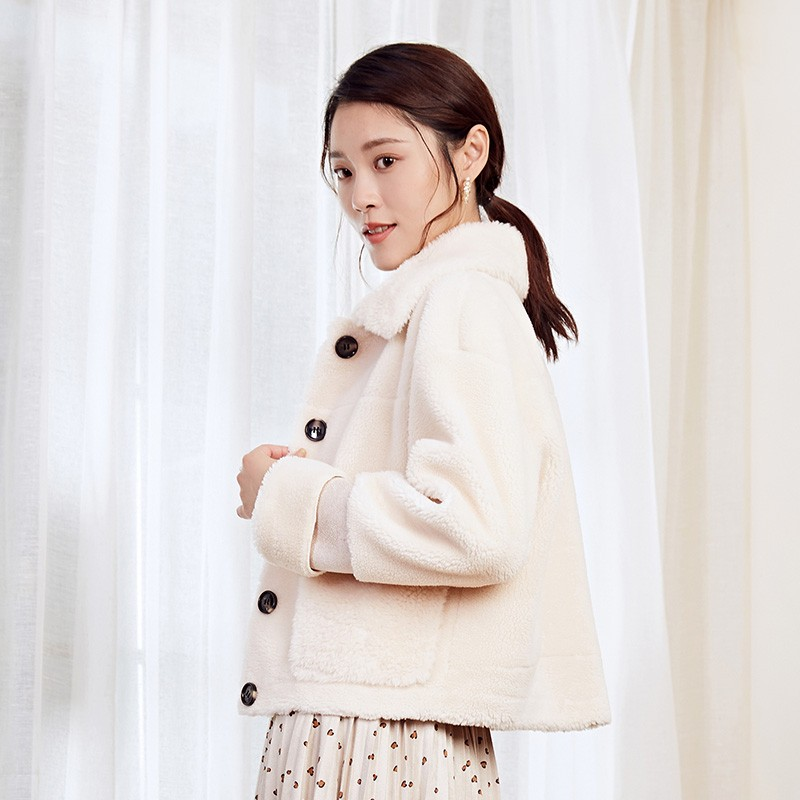 金苑冬装2019新款女装毛绒短款上衣韩版减龄通勤小香风外套D959024