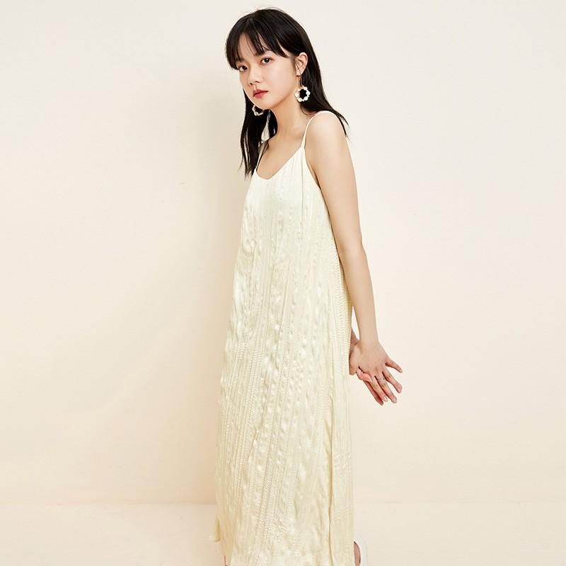 金苑裙子2020春新款宽松吊带中长裙森女百褶文艺连衣裙女G2011039