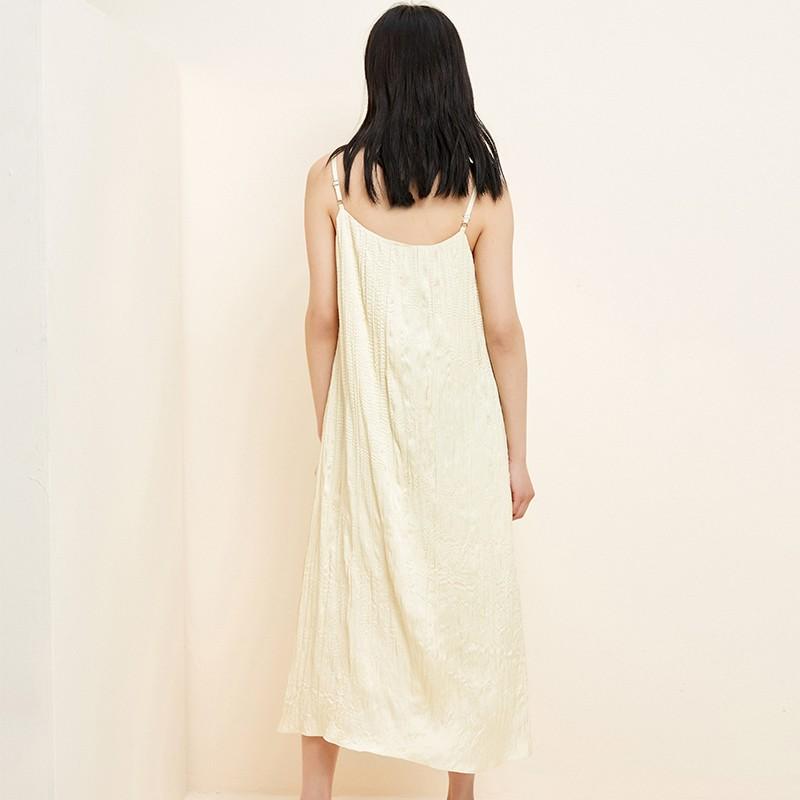 金苑裙子2020春新款宽松吊带中长裙森女百褶文艺连衣裙女G20110311